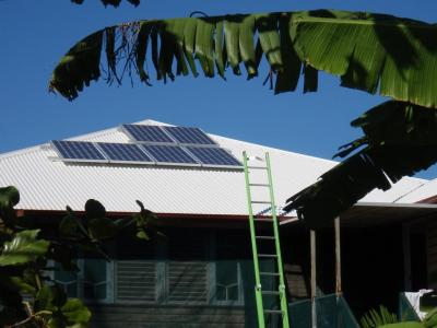1 kW array - 6 x 175W panels ..jpg